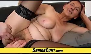Old hirsute cum-hole be proper of Granny Linda