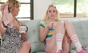 My Mom'_s older friend lick my pussy! - Cherie DeVille coupled with Chloe Cerise