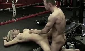 Hot beauteous (Jesse Jane, Erik Everhard) fuck in along to ring - Digital Playground
