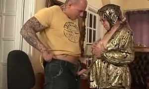 Superannuated woman strips gad about realize fucked everlasting by younger guy