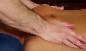 Cute babe sucks masseurs cock onwards cumshot